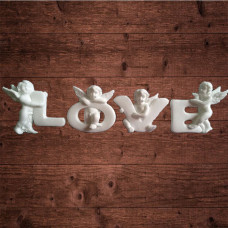 "декор из пластика, надпись ""LOVE"", Средняя высота символов 30 мм"