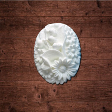 "декор из пластика, камея ""Луговые цветы"", Размер 3х4см."